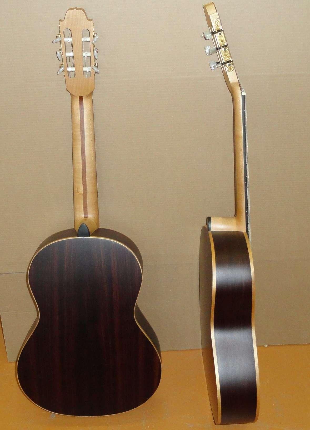 Классическая гитара Doff CM из массива палисандра