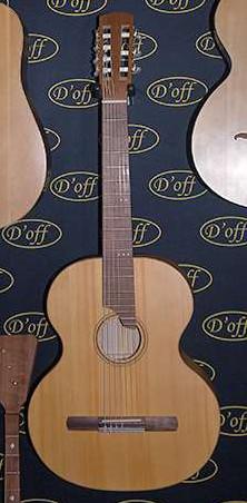 http://doffguitar.ru/wp-content/uploads/2015/07/Doff-RGC-Russian-Guitar-Classic-Easy-series.jpg